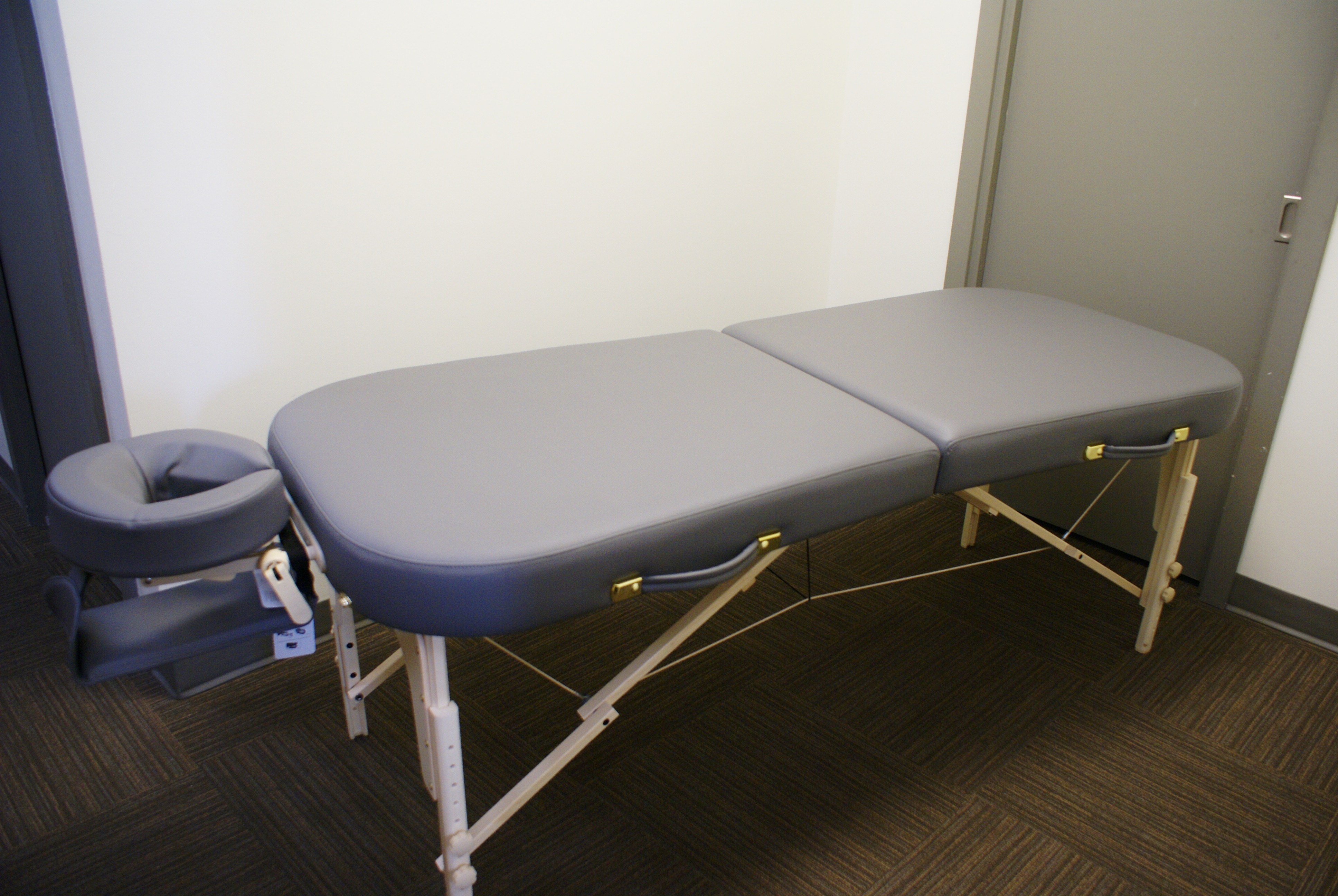 table to facerest and spa click lift zoom includes electric massagetools massage luxe armshelf